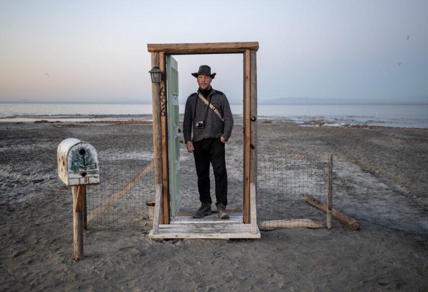 Uwe H. Martin am Salton Sea@Dennis Dimmick